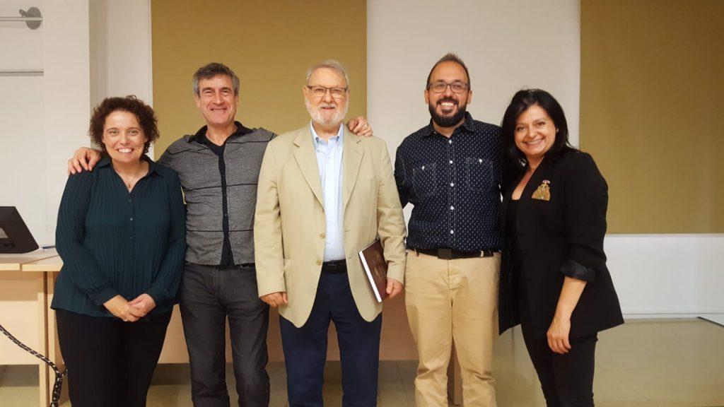 José Joaquín Blasco, con los miembros del tribunal y su directora de tesis, Isabel Fernández Alonso.